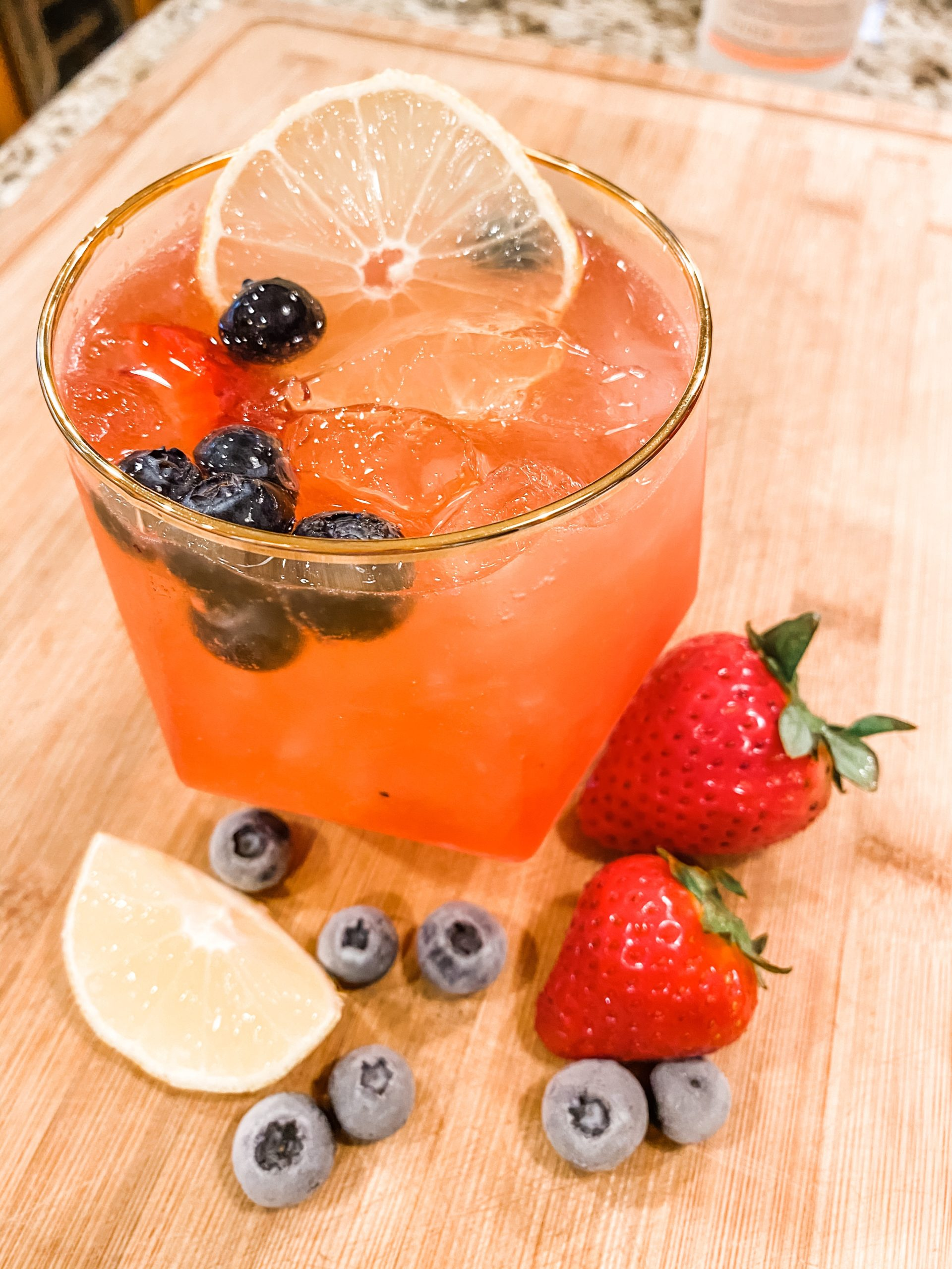 Prosecco Cocktail | Lemon and Berries